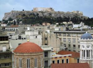 Blick auf die Akropolis im Vordergrund Plaka die Athener Altstadt