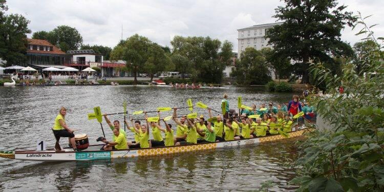 Mit einem starken Team durch die Fluten