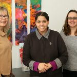 Sabine Funk mit Künsterlin und Romina Jahn