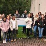 16 junge Menschen haben sich für eine Ausbildung zum Gesundheits- und Krankenpfleger bei der Vitos Schule für Gesundheitsberufe Hochtaunus entschieden