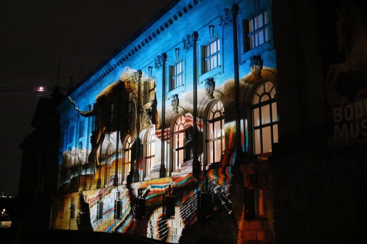 Bunt beleuchtetes Berlin